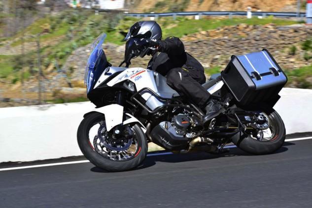 KTM-1290-super-adventure